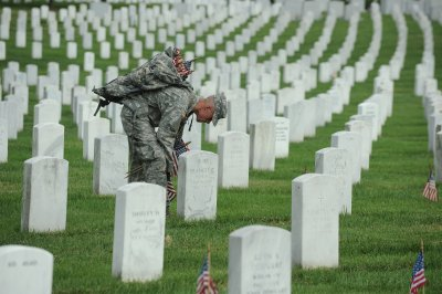 New boss aims to fix Arlington cemetery
