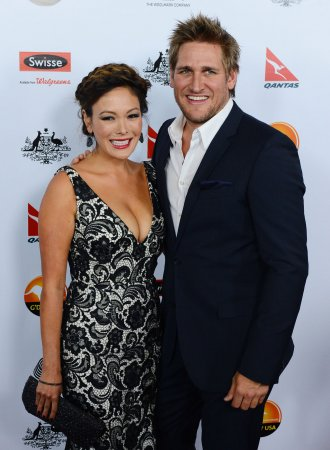 Lindsay Price and Curtis Stone marry in Spain
