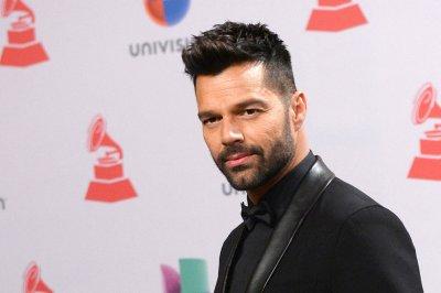 Ricky Martin calls on Latin community to shun Donald Trump