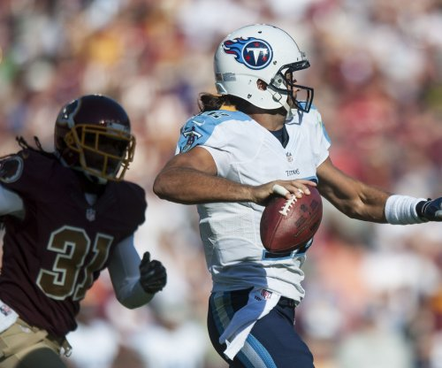 Colts claim QB Charlie Whitehurst off waivers