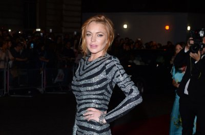 Lindsay Lohan joins Jamie Oliver on his British cooking show