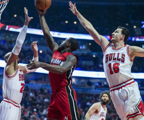 Dion Waiters leads Miami Heat past Charlotte Hornets