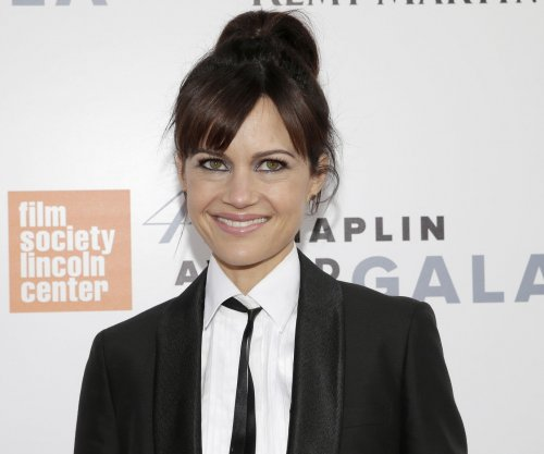 Carla Gugino to star in Netflix's 'Haunting of Hill House'