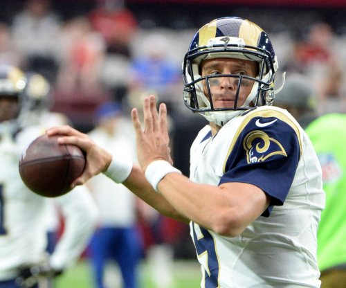 Seattle Seahawks re-sign QB Austin Davis