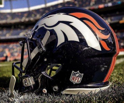Broncos QB Keenum (knees) misses practice
