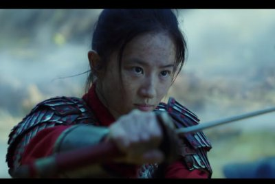 'Mulan' fights for her family in new trailer