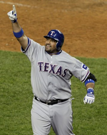 MLB: Texas 10, New York Yankees 3