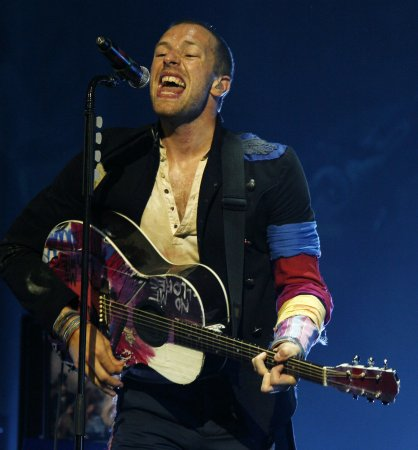 Coldplay offers fans free 'Vida' download