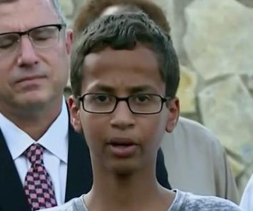 Texas student who made clock confused for bomb to transfer to another school