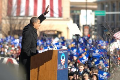 Obama revisits Illinois capital where he launched presidency bid in 2007