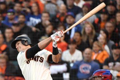 Buster Posey homer gives San Francisco Giants win vs. Cincinnati Reds in 17-inning marathon