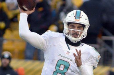 Miami Dolphins: QB Matt Moore likely to start Thursday for injured Jay Cutler