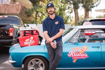 Kris Bryant pretends to be pizza guy, pranks fantasy league