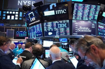 U.S. indexes plummet after key Treasury bond sinks to new low