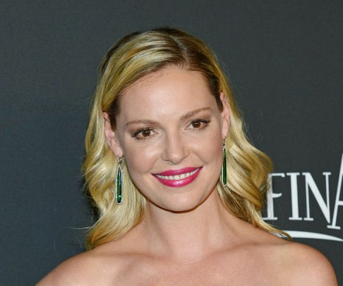 Katherine Heigl denies firing mom/manager Nancy Heigl