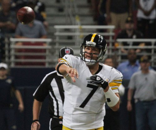 Ben Roethlisberger carted off, Pittsburgh Steelers beat St. Louis Rams