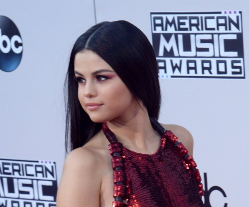 Selena Gomez, Niall Horan spark further dating rumors