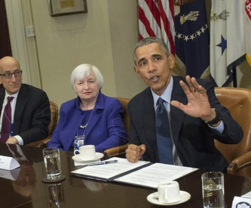 Obama defends handling of Wall Street, financial crisis during meet with fiscal regulators