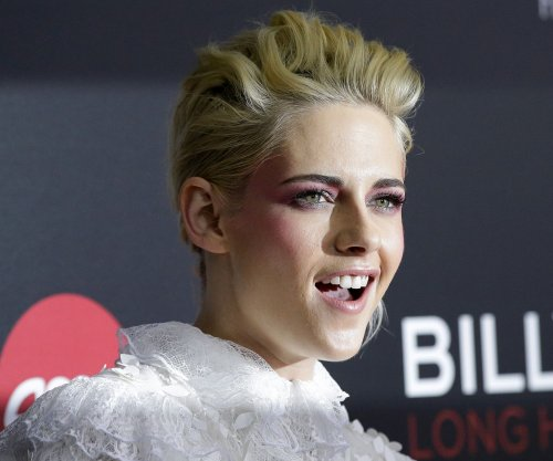 Kristen Stewart spotted on date with Stella Maxwell