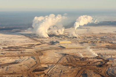 Canada agrees to monitor oil sands impact