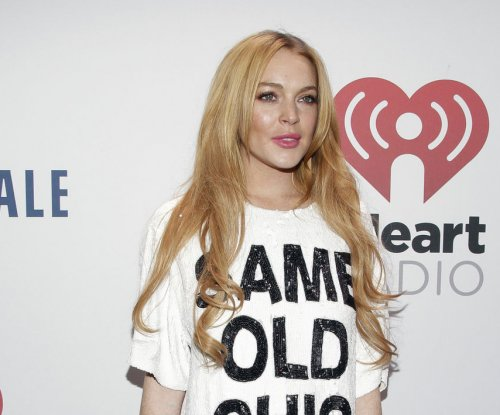 Lindsay Lohan gets 125 extra hours of community service