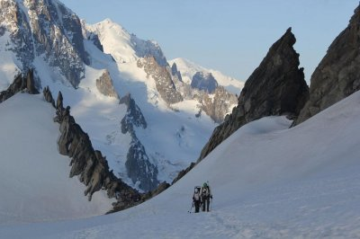 Five French soldiers die in Alps avalanche