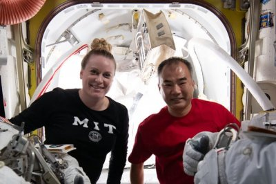 Watch reside: International Space Station astronauts set for distance wander thumbnail