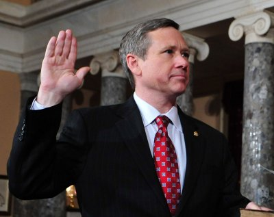 GOP Sen. Kirk in favor of gay marriage