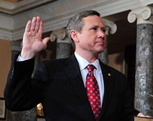 GOP Sen. Kirk in favor of gay marriage