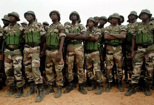 Nigerian military announces rescue of abducted Nigerian school girls