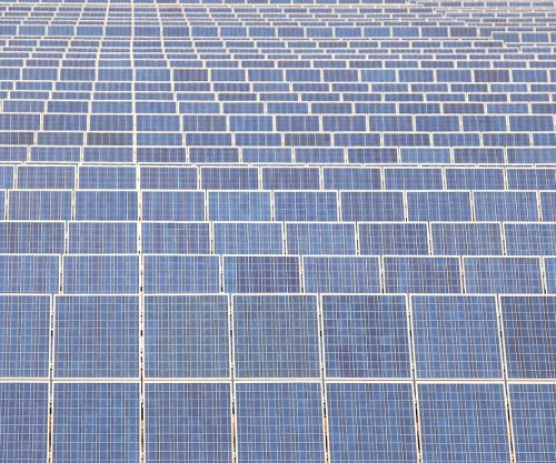 Report: Oman tries solar to enhance oil production