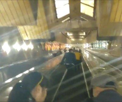 China's longest escalator ride lasts 2-1/2 minutes