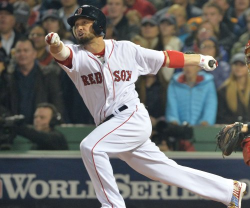 Chicago Cubs sign OF Shane Victorino to minor-league deal
