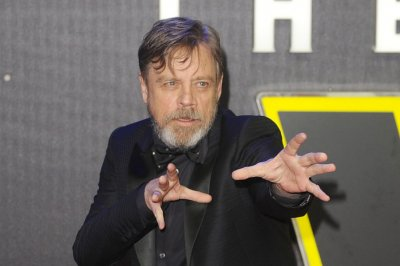 Mark Hamill recites 'Batman: The Killing Joke' lines, discusses film's R rating