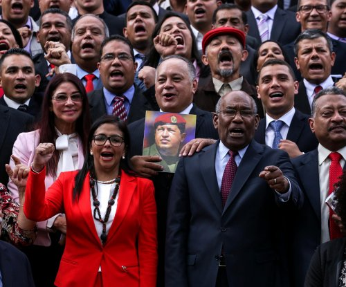 Venezuela lawmakers approve treason trials for opposition leaders