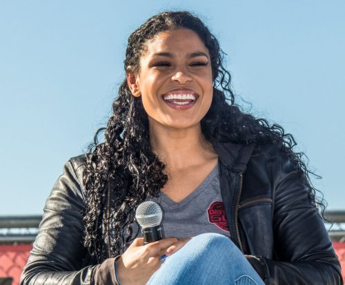 Jordin Sparks announces pregnancy after secret marriage