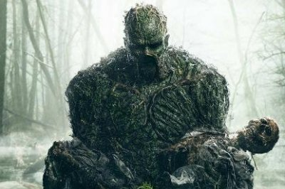 'Swamp Thing': Disease and horror spread in new trailer