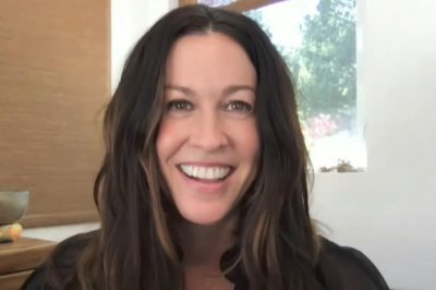 Alanis Morissette talks legacy of 'Jagged Little Pill' on 'Late Late Show'