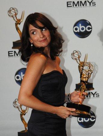 Fey, Baldwin pick up SAG awards