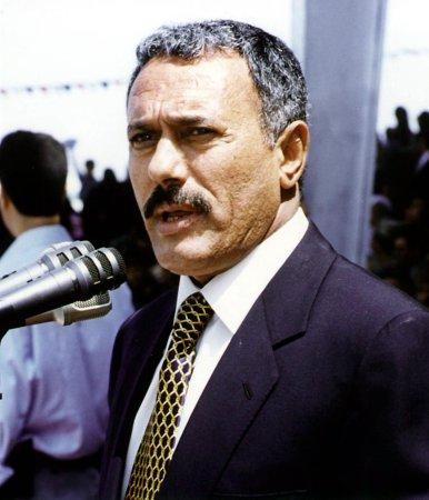Saleh has shrapnel removed from eye