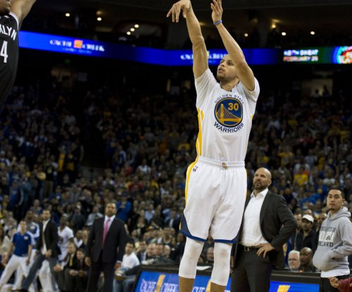 Curry's 3-point barrage helps Golden State Warriors cruise past Miami Heat