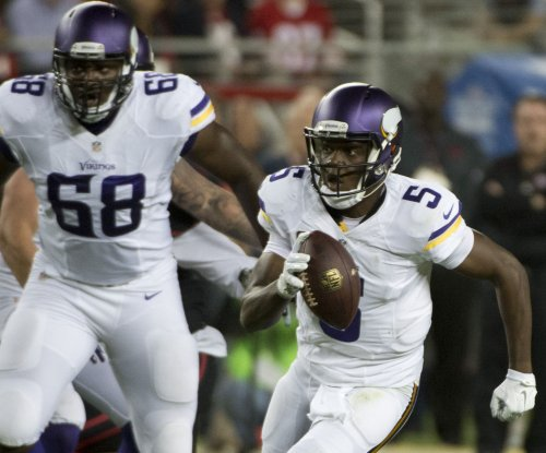 Vikings QB Teddy Bridgewater leaves with concussion
