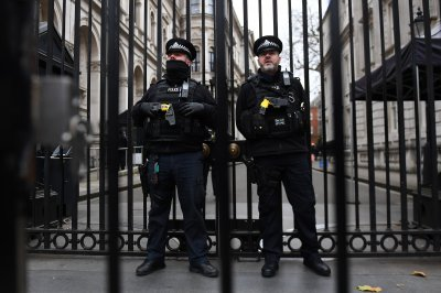 Police arrest 4 for plotting British terror attack