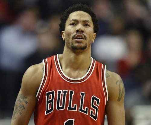 Bulls begin another life sans Derrick Rose, host Hornets