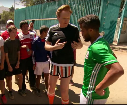 Conan O'Brien recruits Giovani Dos Santos for pickup game in Mexico
