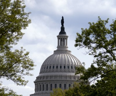 House halts vote on FISA reauthorization bill twice