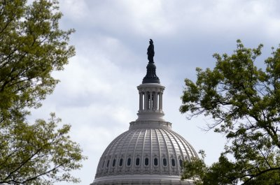 House halts vote on FISA reauthorization bill twice