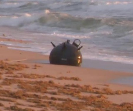 Naval mine washes up on popular Florida beach