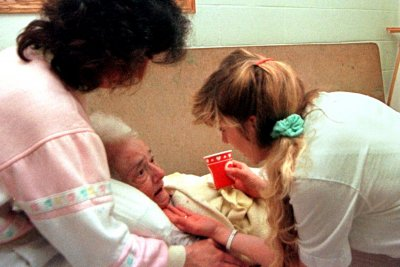 CDC: More than 40% of staff at long-term care facilities not fully vaccinated
