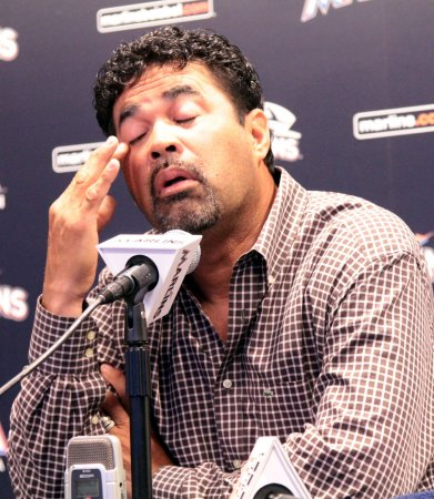 Marlins suspend Guillen for Castro comment